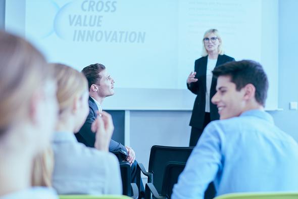 smart-factory-solutions training header mood